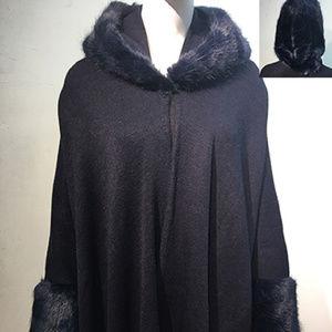 Faux Fur Trim Detail Pleated Cape Shawl